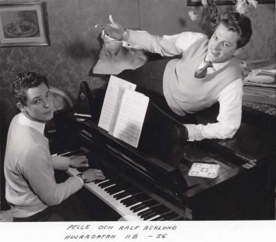 Ralf och Pelle Asklund, 1956