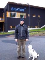 Jocke och Hugo utanför Skatås Motionscentral