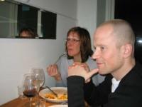 Pia och Janne äter middag