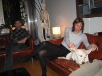 Pia lär Hugo att flyga, Jocke funderar på om det verkligen kommer att gå