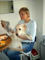 Hugo vid frukosten